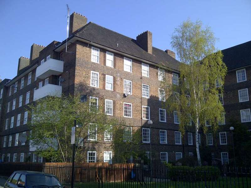 2 Bedrooms Apartment Flat for sale in Biddestone Road, Holloway