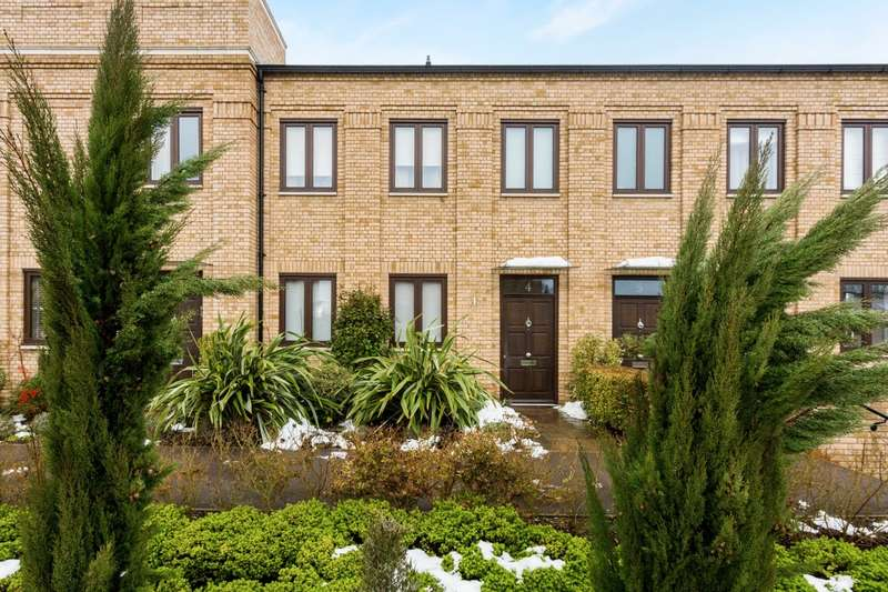 3 Bedrooms Terraced House for rent in Soane Square Bentley Priory HA7
