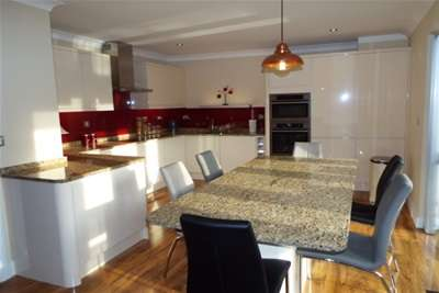 4 Bedrooms Town House for rent in Park Wharf, Nottingham, NG7 1FA