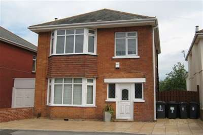 4 Bedrooms Detached House for rent in DRAYCOTT ROAD - ENSBURY PARK