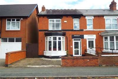 3 Bedrooms Semi Detached House for rent in Jeffcock Road, Wolverhampton