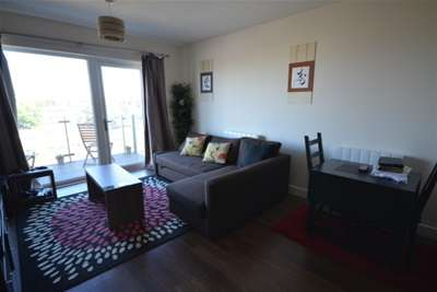 2 Bedrooms Flat for rent in Marina Heights, Pearl Lane, Gillingham
