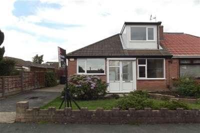 4 Bedrooms Semi Detached Bungalow for rent in Grasscroft Road, Hindley Green