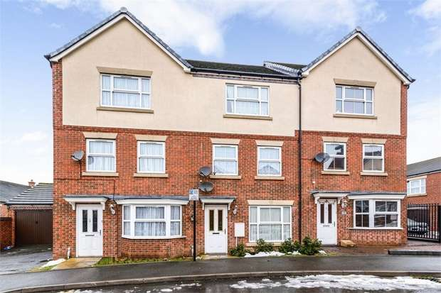 4 Bedrooms Town House for sale in Creed Way, West Bromwich, West Midlands
