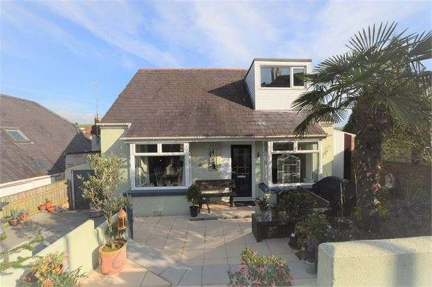 3 Bedrooms Detached House for sale in Barnhill Road, Kingskerswell, Newton Abbot, Devon. TQ12 5DE