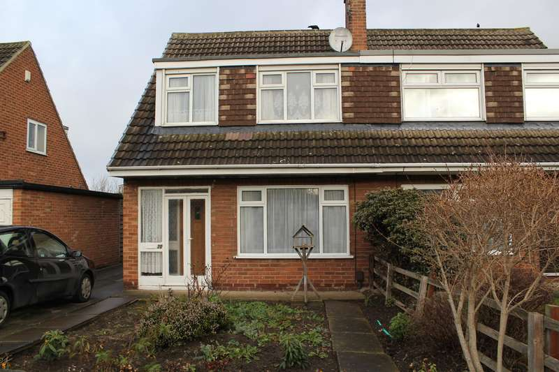 3 Bedrooms Semi Detached House for sale in Glenfield Avenue, Wetherby, LS22 6RN