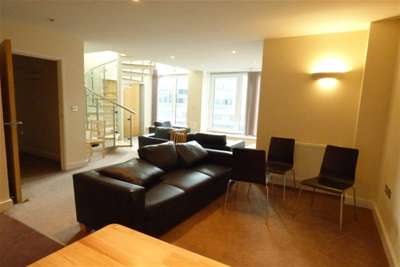 3 Bedrooms Penthouse Flat for rent in Atlantic Apartments, E16