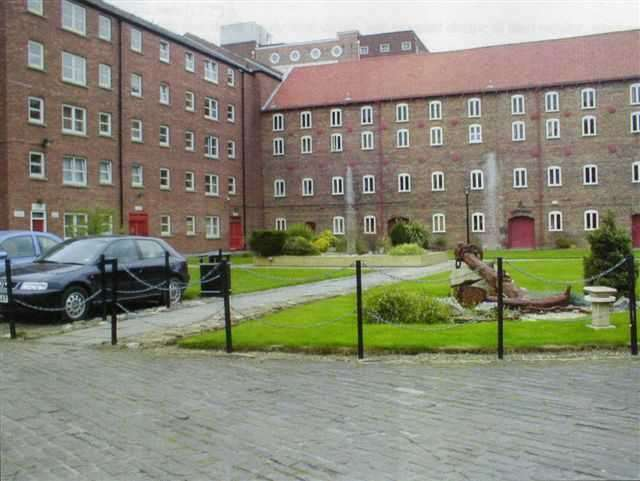 2 Bedrooms Apartment Flat for sale in Phoenix House, High Street, Hull, HU1 1NR