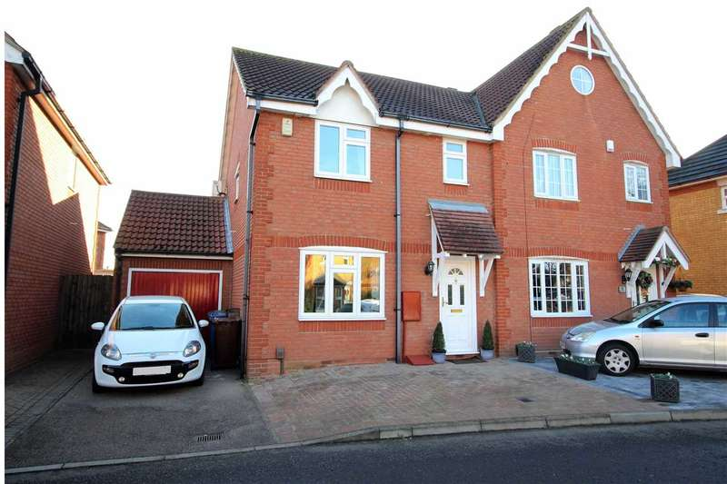 3 Bedrooms Semi Detached House for sale in Andrea Avenue, Chafford Hundred, Grays
