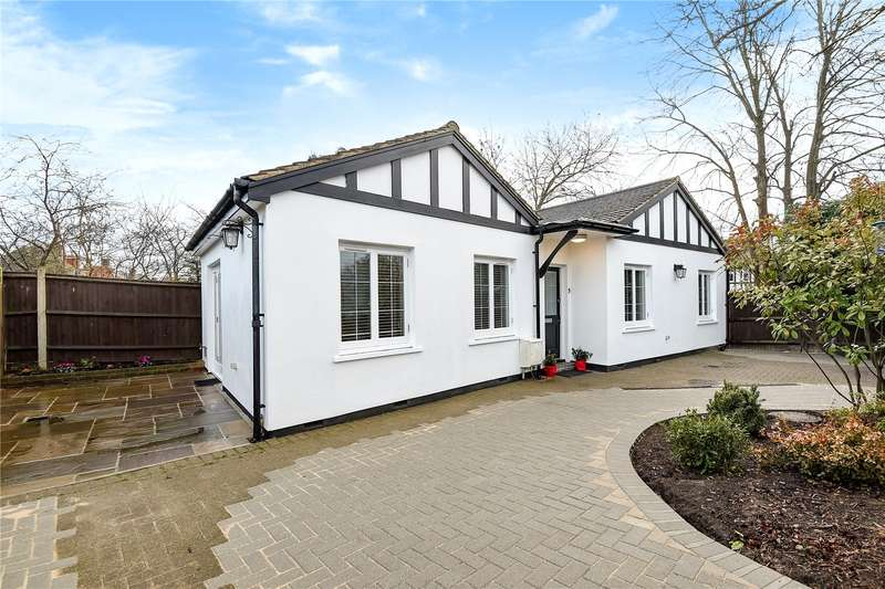 2 Bedrooms Detached Bungalow for sale in Upton Gardens, Harrow, Middlesex, HA3