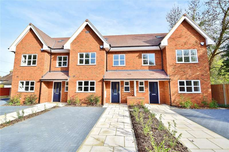 3 Bedrooms Terraced House for sale in Clover Cottages, Hill End Road, Harefield, Uxbridge, UB9