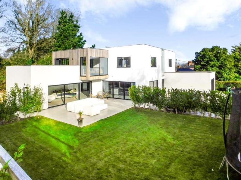 5 Bedrooms Detached House for sale in Treloyan, St Ives, Cornwall