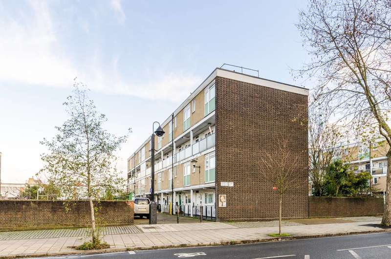 4 Bedrooms Maisonette Flat for sale in Styles Gardens, Brixton, SW9