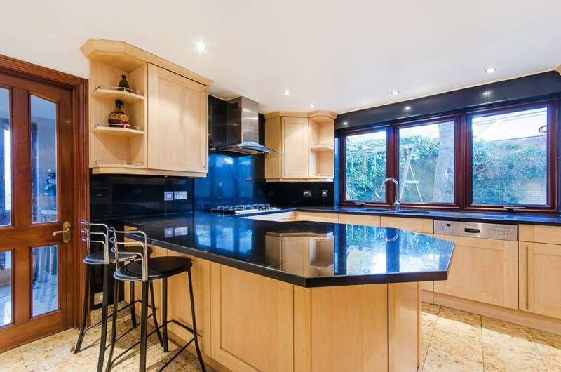 4 Bedrooms House for rent in South Hill Avenue, Harrow on the Hill, HA1