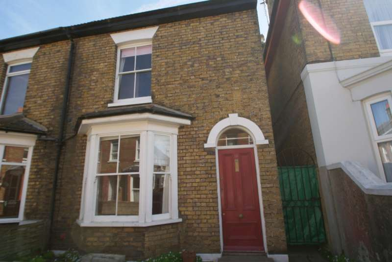 3 Bedrooms End Of Terrace House for rent in Church Path, Deal, CT14