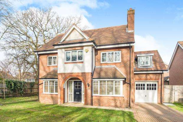 5 Bedrooms Detached House for sale in Hinchley Wood, Esher, Surrey