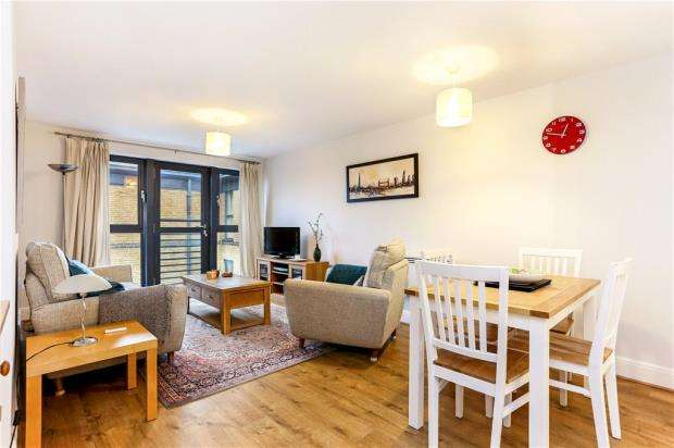 2 Bedrooms Flat for sale in Sandover House, 124 Spa Road, London