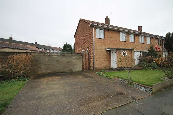 3 Bedrooms Semi Detached House for sale in Butts Crescent, Hanworth, TW13