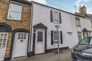 3 Bedrooms Terraced House for sale in Fox Street, Gillingham, Kent, .