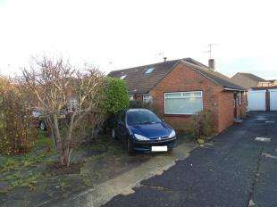 2 Bedrooms Bungalow for sale in Ham Way, Worthing, West Sussex