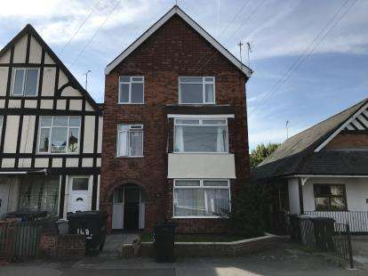 8 Bedrooms Semi Detached House for sale in Drummond Road, Skegness, Lincs, England