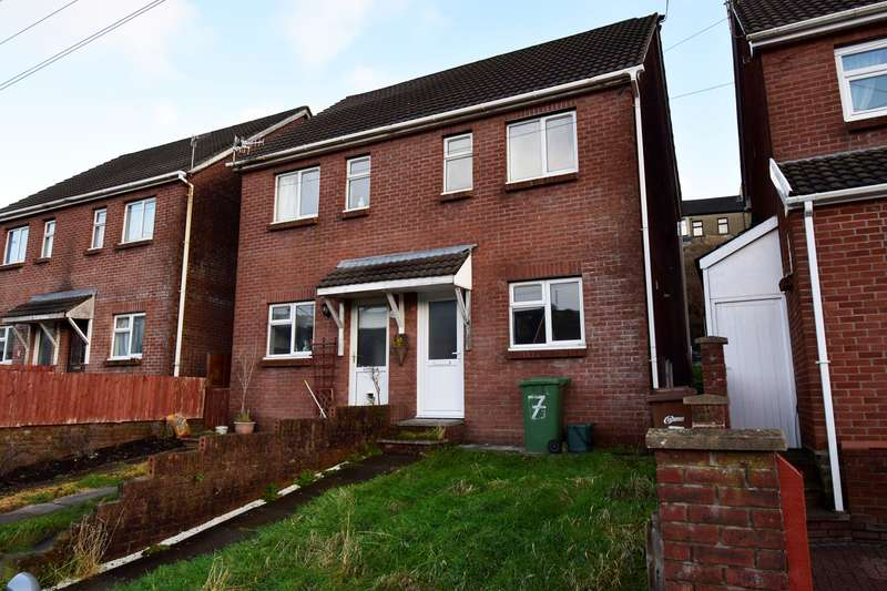3 Bedrooms Semi Detached House for sale in Stanley Street, Senghenydd, Caerphilly, CF83