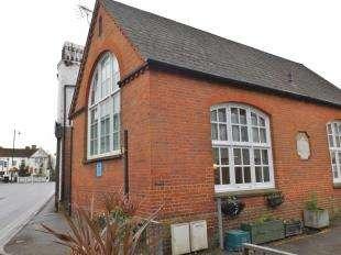 2 Bedrooms Semi Detached House for sale in Northgrove Road, Hawkhurst, Cranbrook, Kent