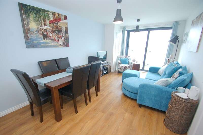 2 Bedrooms Flat for sale in Blanchard Avenue, Gosport
