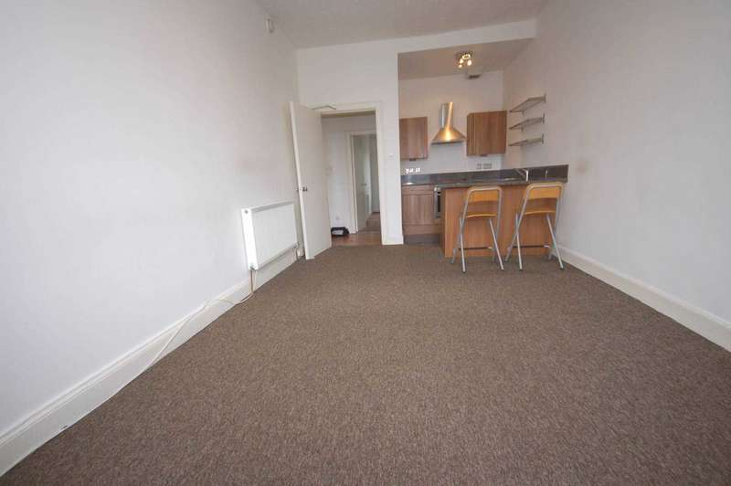 2 Bedrooms Flat for rent in Church Street, Johnstone