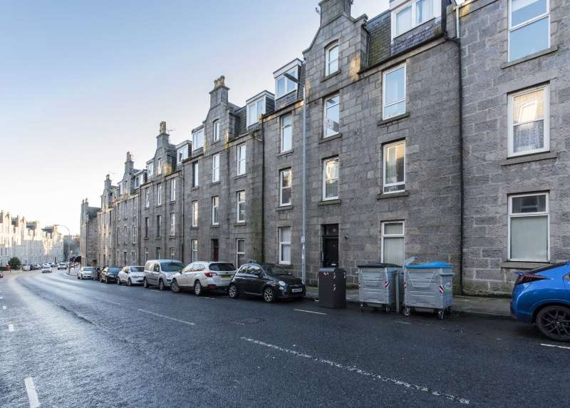 2 Bedrooms Flat for sale in Esslemont Avenue, Aberdeen, Aberdeenshire, AB25 1ST