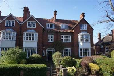 2 Bedrooms Property for rent in The Avenue, York