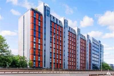 2 Bedrooms Flat for rent in Stobcross Street, FINNIESTON