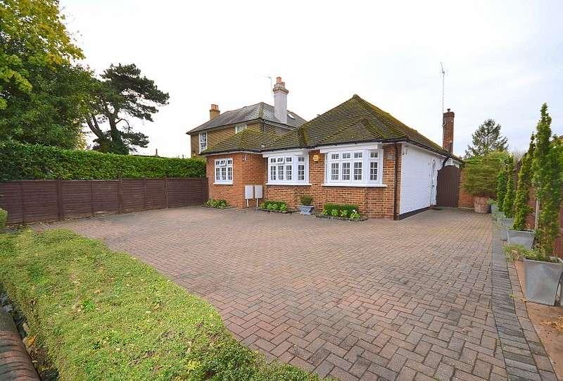 2 Bedrooms Detached Bungalow for sale in Upper Halliford