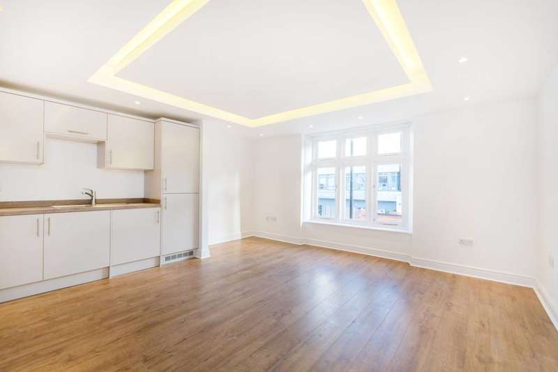2 Bedrooms Flat for sale in Streatham High Road, Streatham Hill, SW16