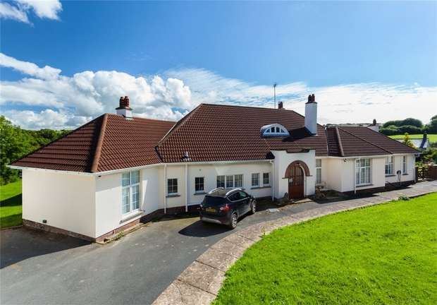 5 Bedrooms Detached Bungalow for sale in Berry Down, COMBE MARTIN, Ilfracombe, Devon