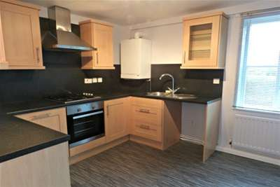 2 Bedrooms Flat for rent in Lumley Close, Oxclose , Washington