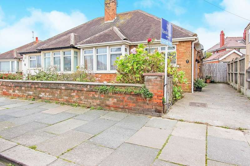2 Bedrooms Semi Detached Bungalow for sale in Luton Road, Thornton-Cleveleys, FY5