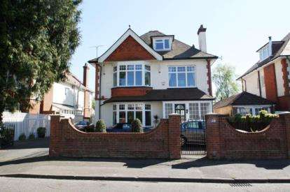 6 Bedrooms Detached House for sale in Queens Park, Bournemouth, Dorset