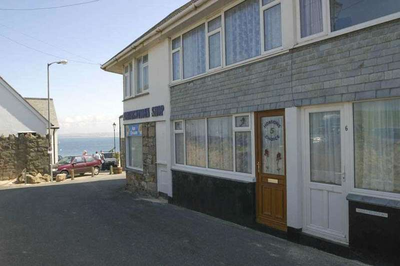 2 Bedrooms Terraced House for sale in Beach Court, St Ives, Cornwall