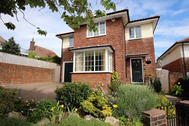 4 Bedrooms Detached House for sale in Selwyn Drive, Eastbourne, BN21 2LP
