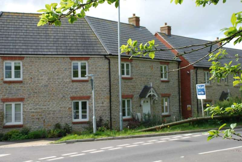 3 Bedrooms Terraced House for rent in Cuckoo Hill, Bruton
