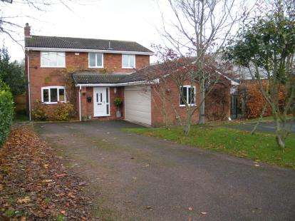 4 Bedrooms Detached House for sale in Buckfast Way, Middlewich, Cheshire, England