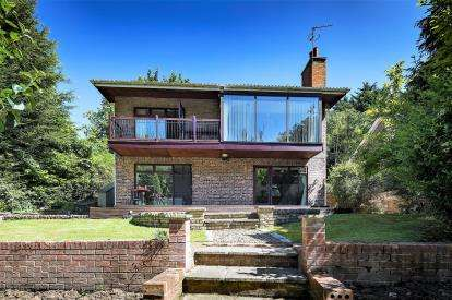 4 Bedrooms Detached House for sale in Church Lane, Middleton St George