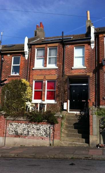 4 Bedrooms Terraced House for rent in Milner Road, Brighton, East Sussex, BN2