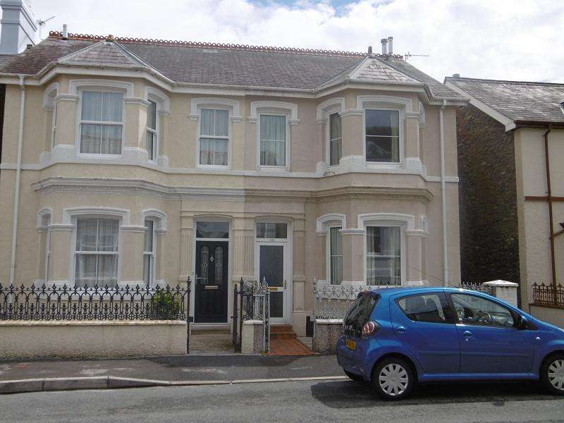 4 Bedrooms Semi Detached House for sale in Thomas Street, Llandeilo, Carmarthenshire.