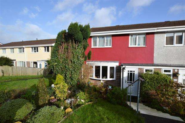3 Bedrooms Semi Detached House for sale in Beatrice Avenue, Saltash, Cornwall