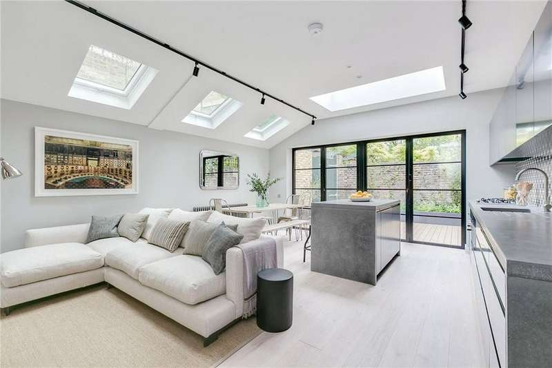 2 Bedrooms Flat for sale in Bishops Road, London, SW6