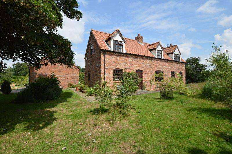2 Bedrooms Detached House for sale in Brackenwood, Monument Road, Woodhall Spa