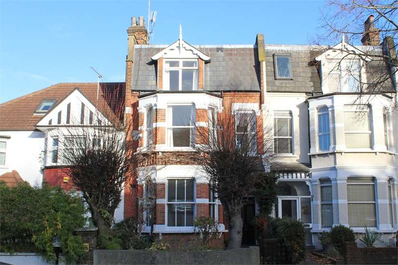 3 Bedrooms Flat for sale in Alexandra Park Road, Alexandra Park, London