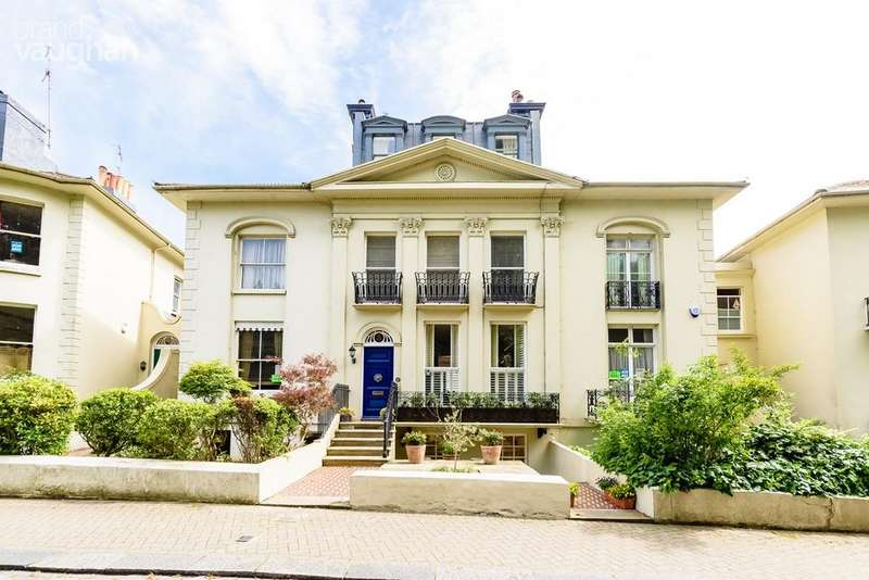5 Bedrooms Terraced House for sale in Hanover Crescent, Brighton, BN2